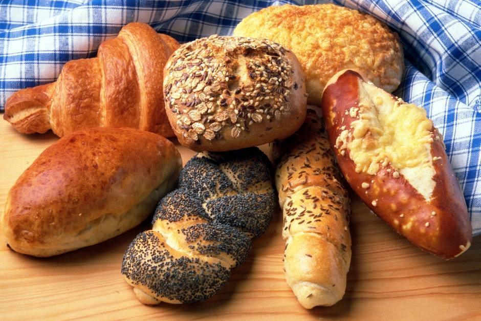 Какой хлеб можно есть при гастрите желудка: можно ли черный, ржаной и белый хлеб