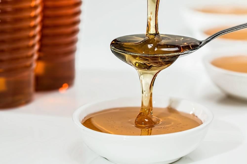 При гастрите можно молоко с медом